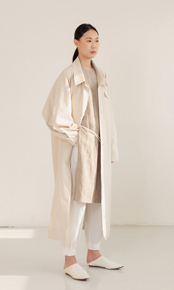 UNISEX_Oversized_Mac_Coat_iv