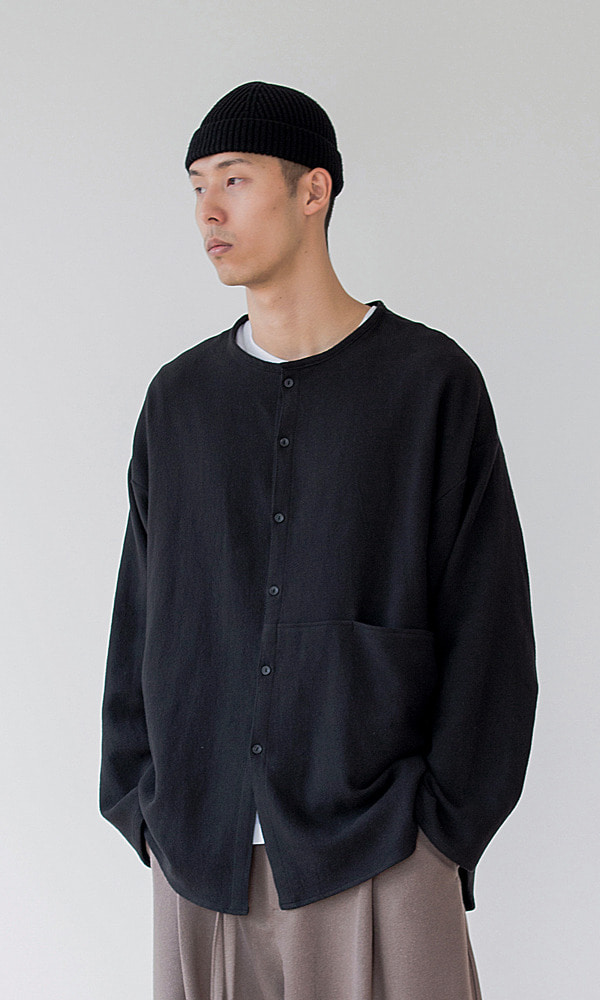 UNISEX_ROUND_POCKET_SHIRT_BK