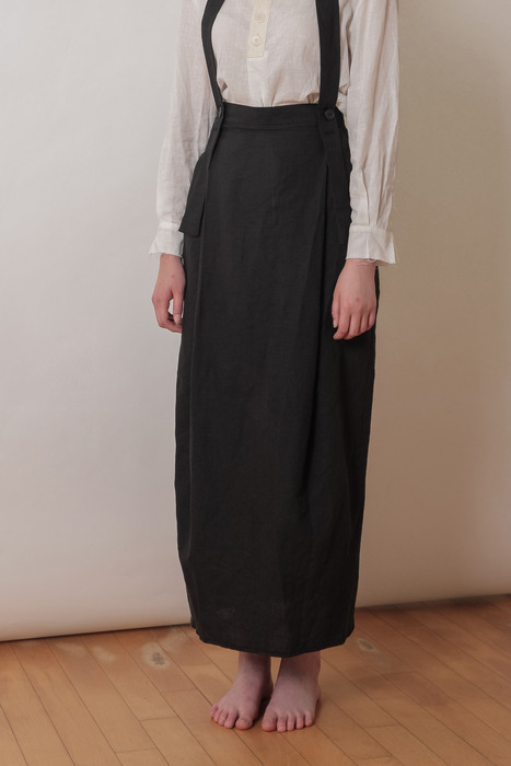 WOMAN_SUSPENDER SKIRT