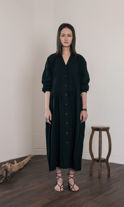 WOMAN_Linen_Gather_Oversized_Dress_bk